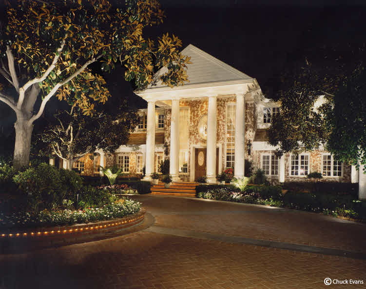 outdoor lighting, landscape lighting, LED lighting, Irvine outdoor lighting, Coto de Caza, Newport Coast,Yorba Linda, Laguna Niguel, sand clemente, beverly hills,low voltage lighting,creative outdoor lighting,Orange county landscape lighting installation and repairs