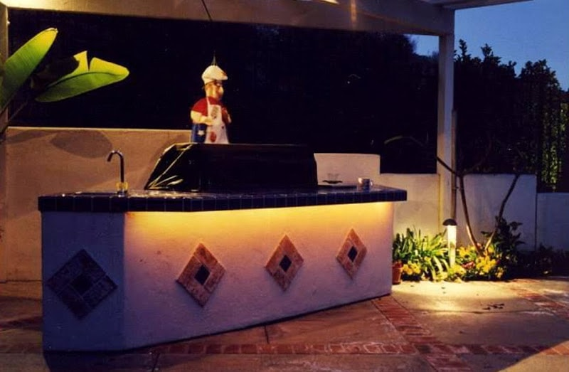 Outdoor Kitchen and Patio Lighting