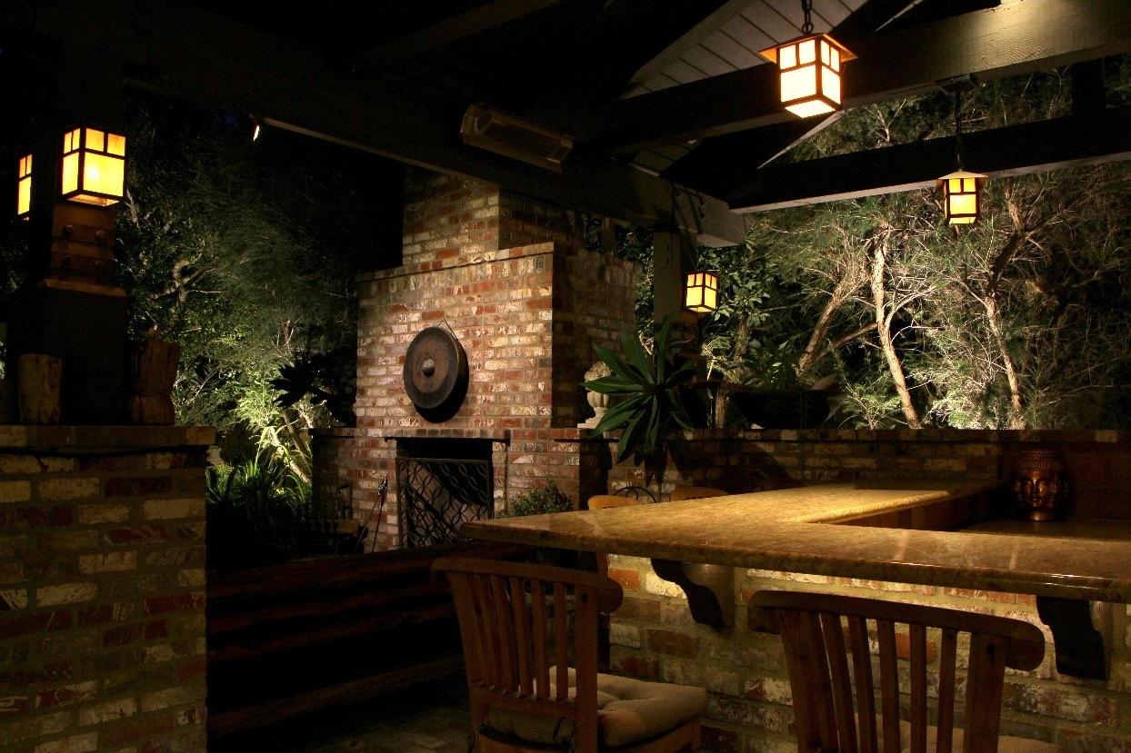 outdoor kitchen area lighting