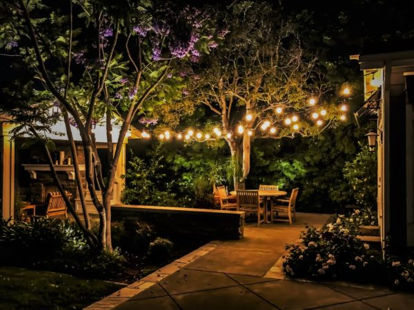 Awesome Bistro String Lighting Concepts, Hanging Lights For Outdoors