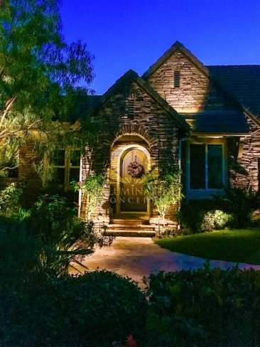Second story architectural accent lighting